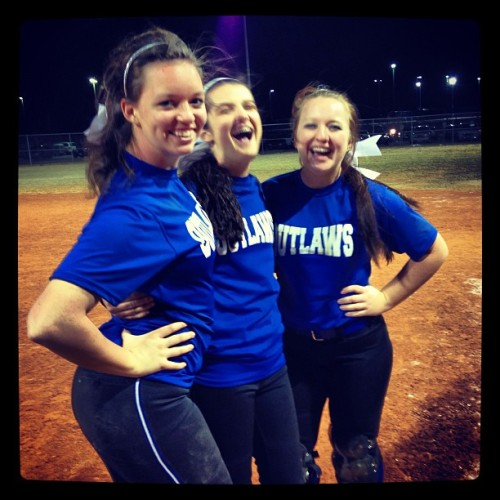 My main girls 💛❤⚾ @jessicaperschka @bridgetmeeler  #tournament #firstplace #bestfriends #superwhitegirls #championship