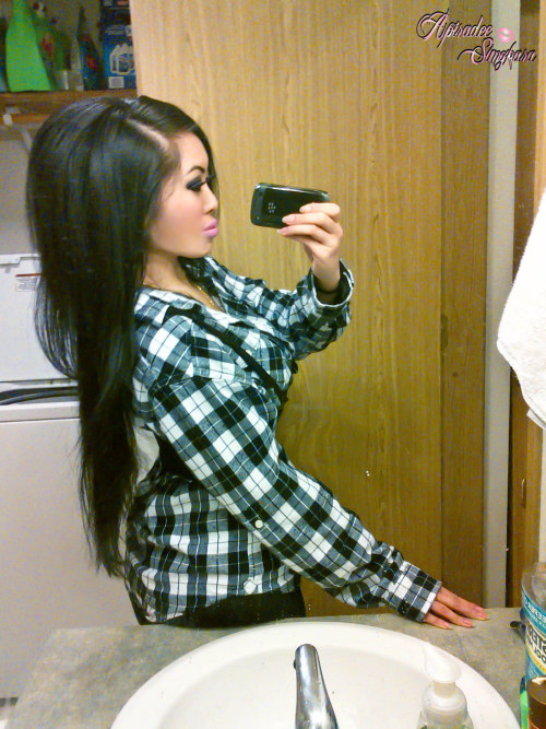 Plaids and straight hair for today ♥