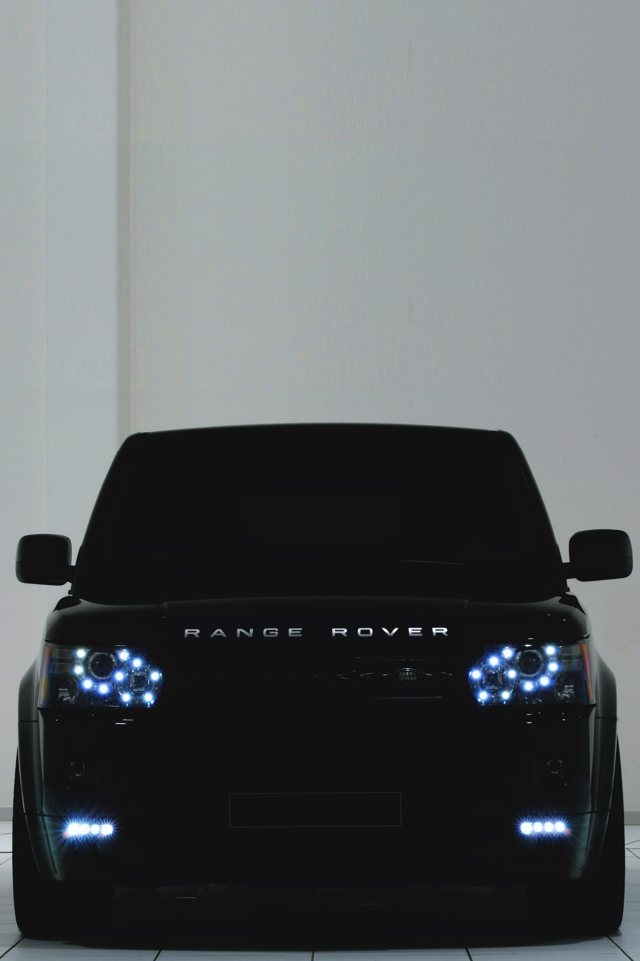 drugera:  (Range Rover | | Source)