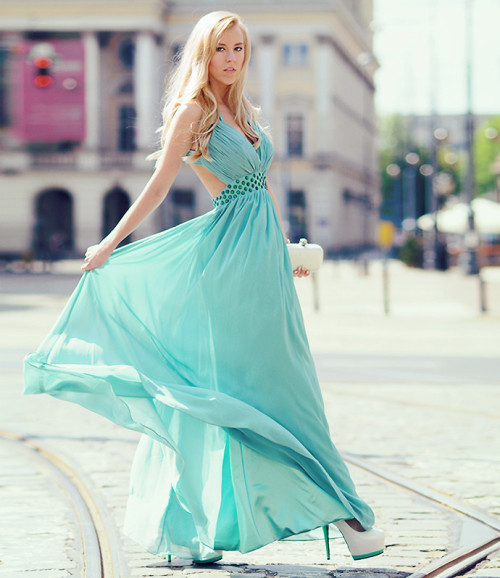 lookbookdotnu:  All true princesses are dead (by MERI  WILD ♥)