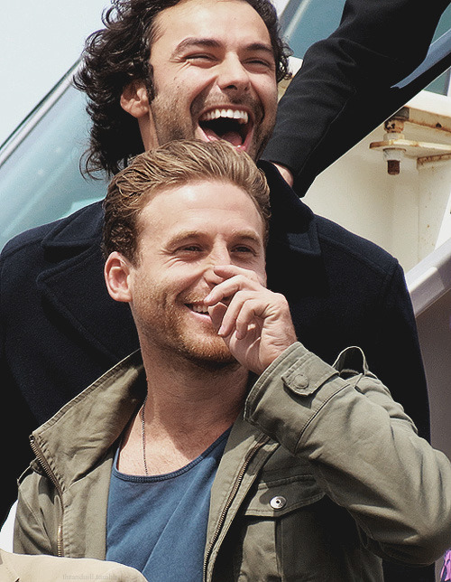 gwainethestrong:    Aidan Turner and Dean O'Gorman arrive in New Zealand   #'i will not fall in love with another cast' i said #'i don't need no more pretty men' i said #'i need to reblog this' i said