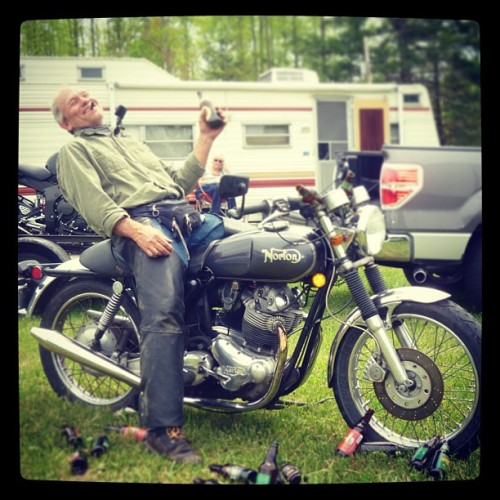 #wildones #norton #nortonmotorcycle #beer #camping #tennessee #smokeymountains #blueridgeparkway #thesnake #421