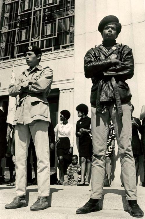 modern-iconoclast:  Black and Brown Unity. Black Panthers and Brown Berets in Downtown Oakland at the Alameda County Court House, protesting the Huey Newtons trial.