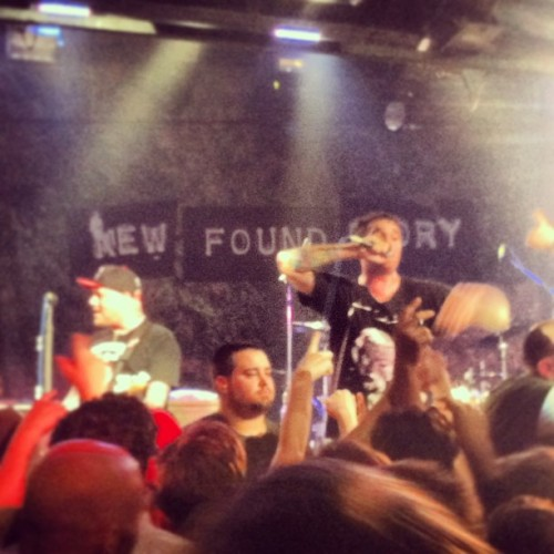 New Found Glory's Sticks and Stones 10 year anniversary tour #nfg #newfoundglory #sticksandstones #amazing @amandapolyyy  (at Toad's Place)