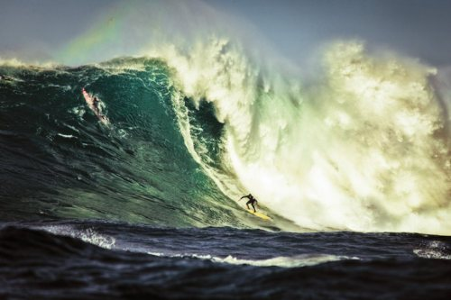 swirlgraphics:  Awesome Wave