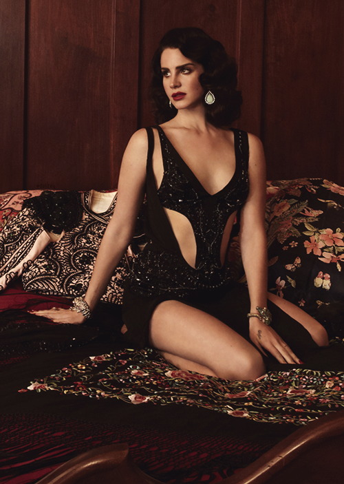 dellrey:  Lana Del Rey for L'Officiel Paris // 2013