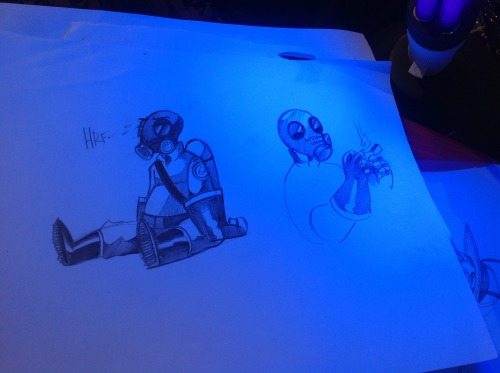 More stuff i totally forgot about yaaaay  Also, black lights are awesome