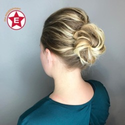 We love this texture updo by Jess at #establishmentwi || #texturebun #textureupdo #messybun #updo #simpleupdo #aveda #avedaaircontrol (at The Establishment Salon)