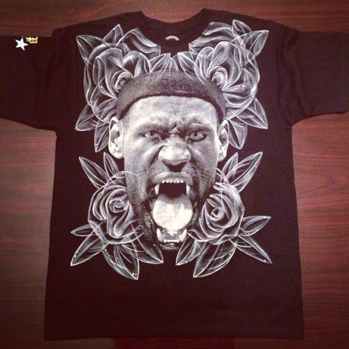 yeahlano:  #HANDPAINTEDBYLANO | robbed @safestadick for his Lebron tee. painted it.