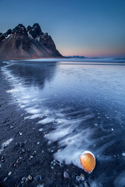 mvnchies:  Sunset at Stokksnes by Snorri Gunnarsson