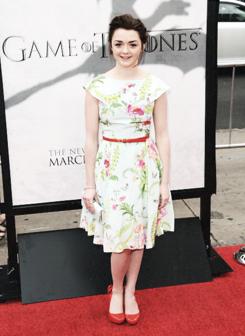 stark-queen:  Maisie Williams at Game of Thrones Season 3 Red Carpet Premiere