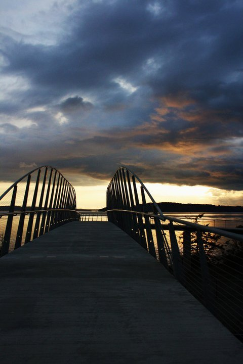 shoshanaglickman:  my photography…..bridge to the beach