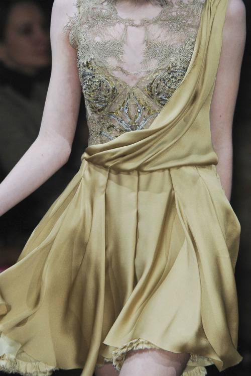 suchaprettyworld:  Julien Macdonald Autumn/Winter 2011-2012 details.