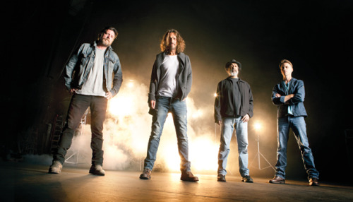 http://www.facebook.com/pages/Quiero-a-Soundgarden-en-Argentina/164769753554916