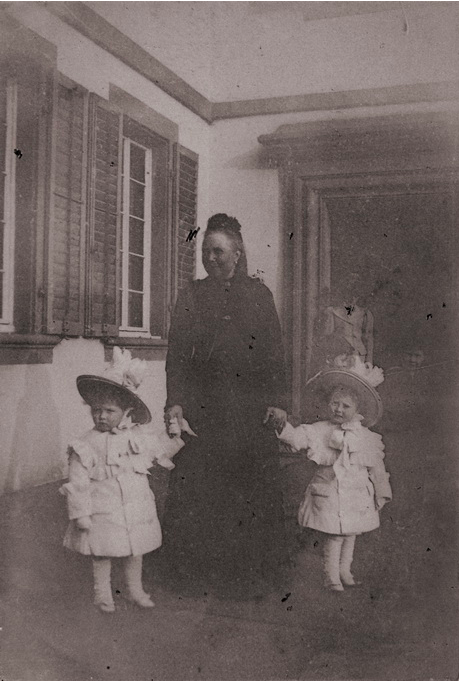 Dowager Empress Frederick of Prussia with two of her daughter Mossie's children.