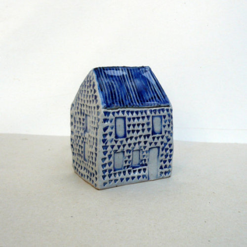 thinkingdifferent:  Blue And White Ceramic House. Miniature House. OOAK. by BlueMagpieDesign http://www.etsy.com/listing/121915324/blue-and-white-ceramic-house-miniature