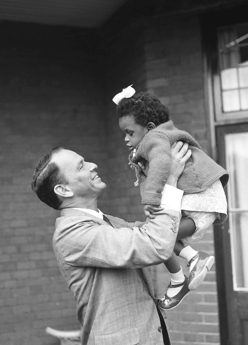 francisalbertsinatra:  Frank Sinatra visits a home for blind children in Middlesex, England during his world tour for children, 1962