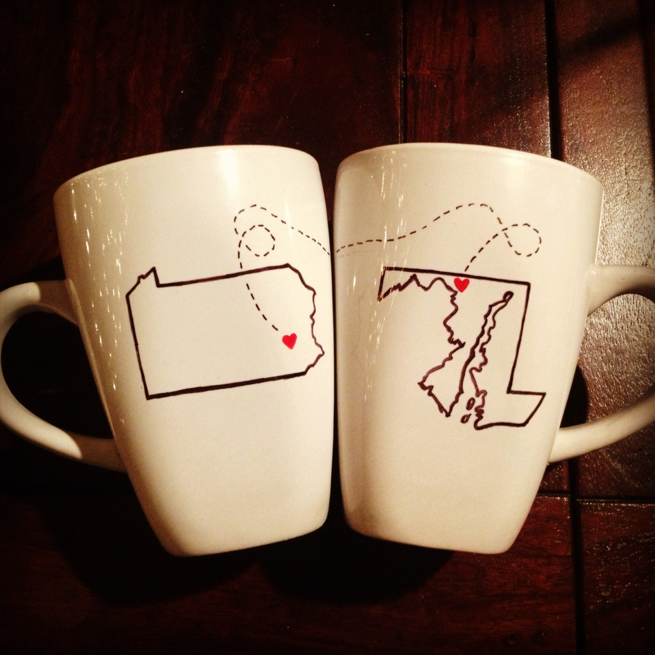 littlethings-and-curiosities:  Made for my brother and his girlfriend. #pennsylvaniatomaryland