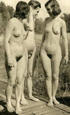 planet-erotica:NudistFriends