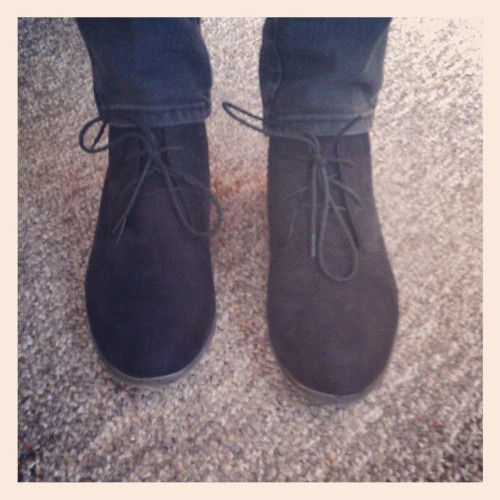 Oh, and new #vegan #suede #booties by #stevemadden. #blackonblack #swag
