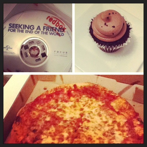 #alonetime #relaxation #pizza #cupcake I had salad but we for two cousins pizza! Yum