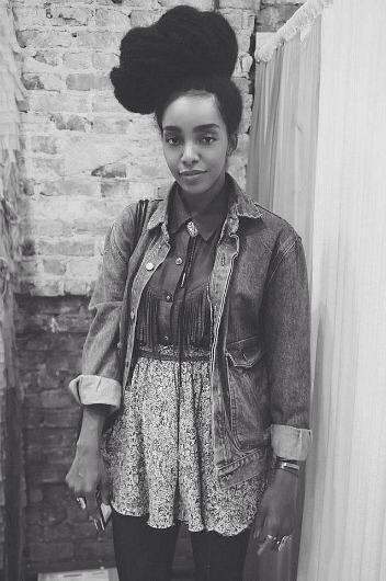 curly-essence:  raventailor:  http://urbanbushbabes.com/  http://curly-essence.tumblr.com/