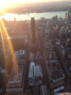 sophies-lens:  went to the empire state building for the first time…it's funny to be a tourist in your own town // midtown