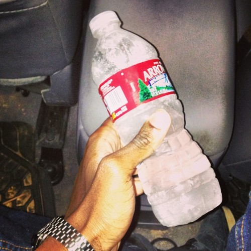 My friend had this water bottle in her car and the water froze over night 😱 #flagstaff  #nau #freezing