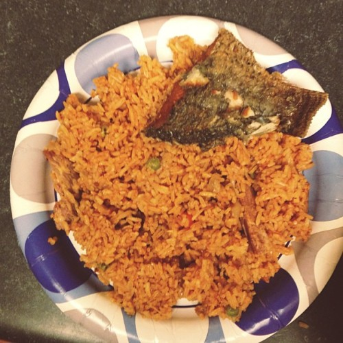just making myself a midnight snack lol #jollof and #fish #ghanaian #ghanaianfood #ghana