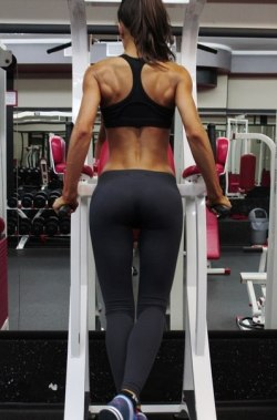 giveme-peanutbutter:  fit-strong-and-hott:  K like seriously, does anyone know the trick to getting big back muscles?!   -