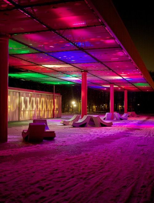 estimfalos:  LED Clouds in Amsterdam, Sophie Valla Architects  bello