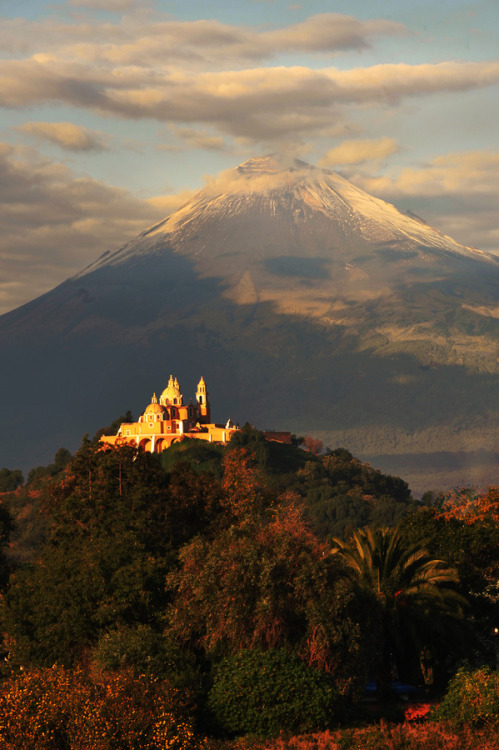 westeastsouthnorth:  Popocatepetl, Mexico