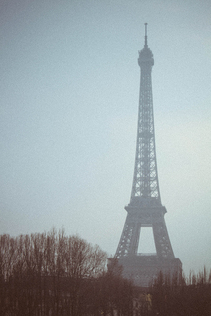 modernise:  La Tour Eiffel on Flickr.