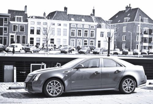 Oxydized Starring: Cadillac CTS-V (by Jurriaan Vogel)