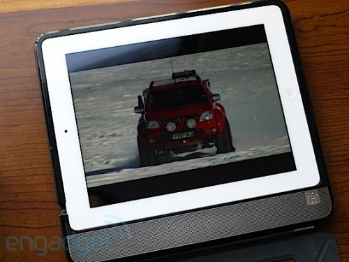 Belkin introduces Thunderstorm Handheld Home Theater for iPad, we go hands-on Nicole Lee, engadget.com While Belkin has long been at the fore­front of Apple acces­sories, offer­ing every­thing from key­board cases to baby mon­i­tors, it some­how left the audio arena unex­plored. That ends today with the intro­duc­tion of the Belkin Thun­der­storm…  carvertate@gmail.com