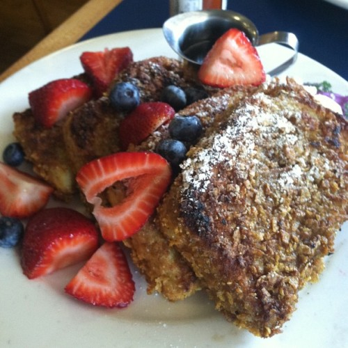 The Fantastic French Toast at Marston's does live up to its name. #brunch #foodie #fattie #pasadena