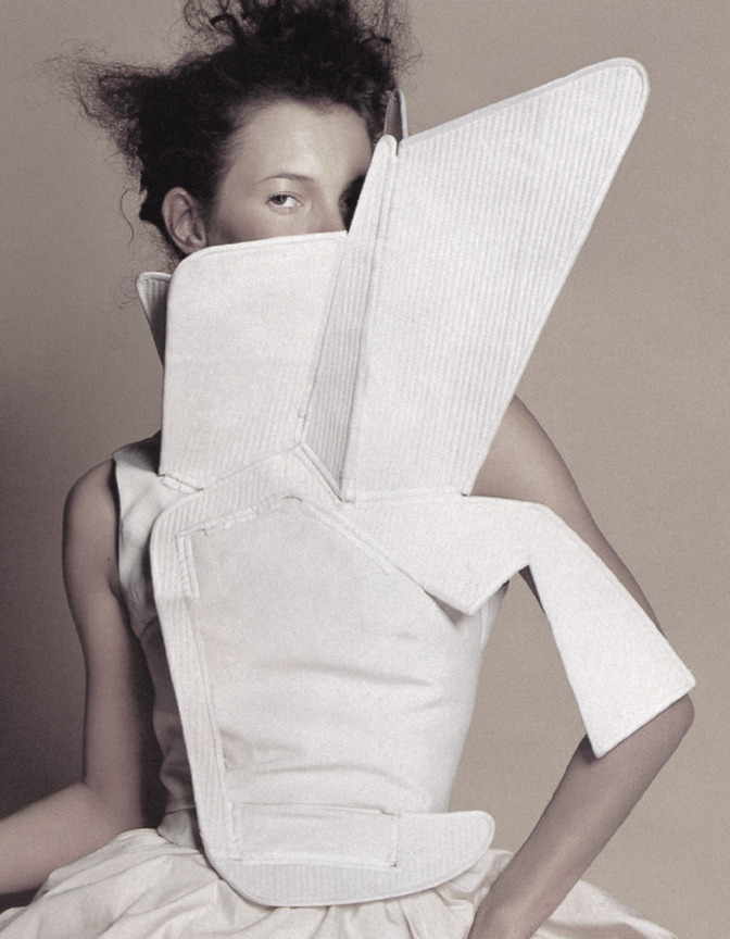 Kate Moss in Hussein Chalayan by Mario Testino for US Vogue, February 2000.