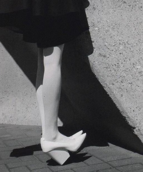 ava smith in numéro n°136 september '12 photographed by viviane sassen