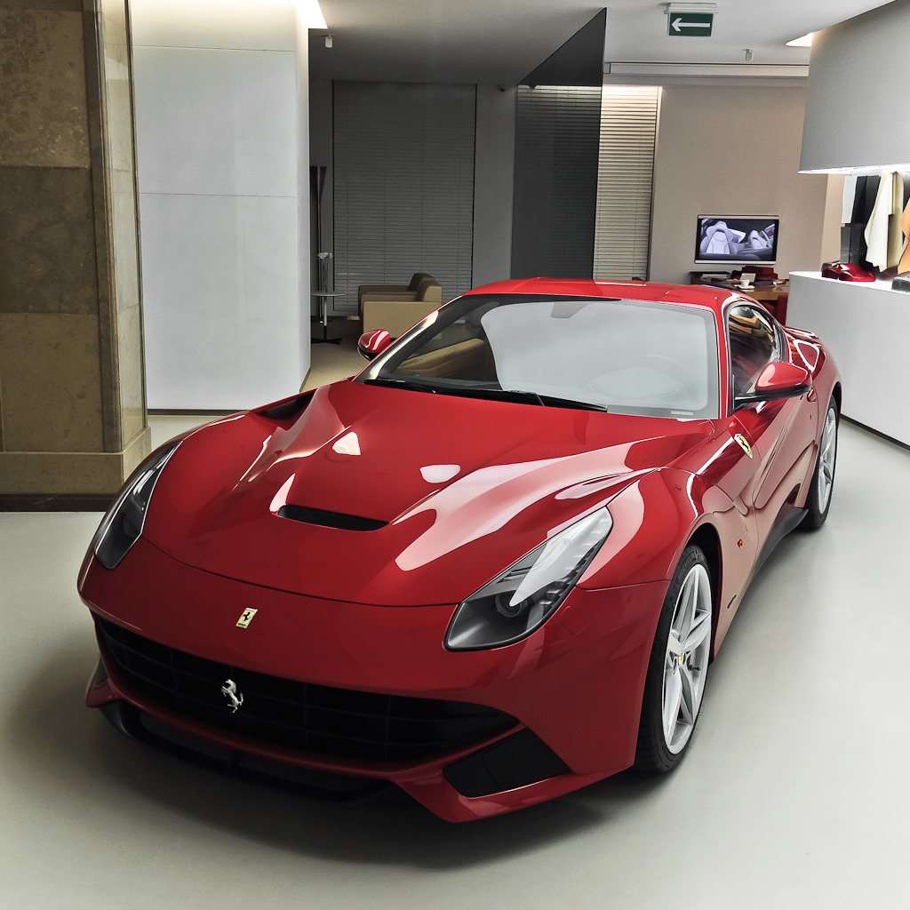 automotivated:  Ferrari F12berlinetta (by pskrzypczynski)