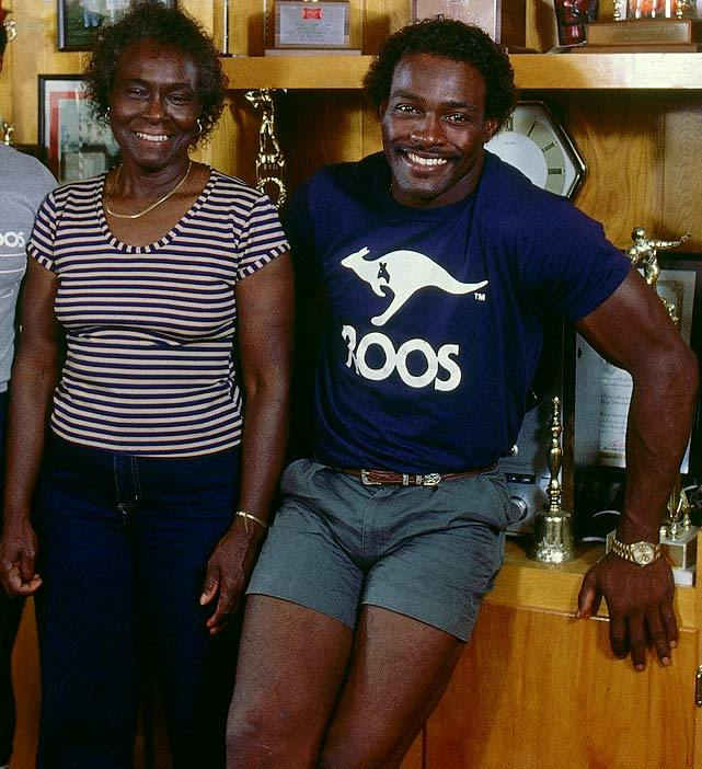 Walter Payton and his mom, Alyne, pose during a June 1984 SI photo shoot. Mother's Day is this Sunday. (Heinz Kluetmeier/SI) GALLERY: Athletes and Their Moms