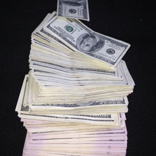 lustt-and-luxury:  All I see is $$$