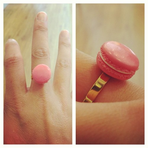Another kind of macaron. Macaron ring made by Patricia Bourdel, A French Bakery http://www.afrenchbakery.com/en/ #macaron