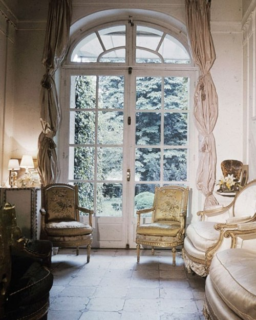 a-l-ancien-regime:  Pauline de Rothschild's Curtains  (via Architectural Digest)