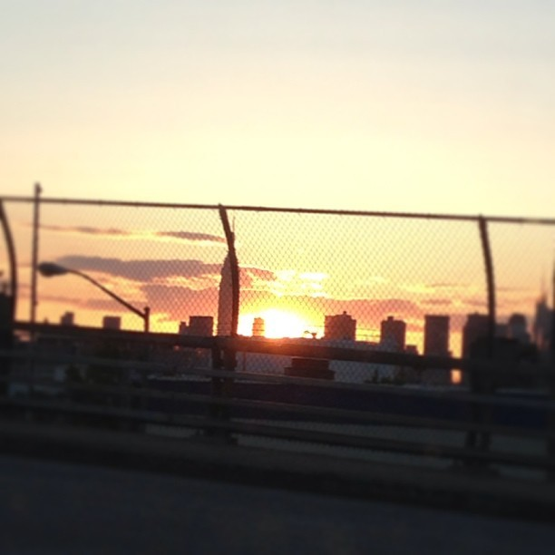 #NYC #sunset from #greenpoint (at John Byrne-Greenpoint Avenue Bridge)