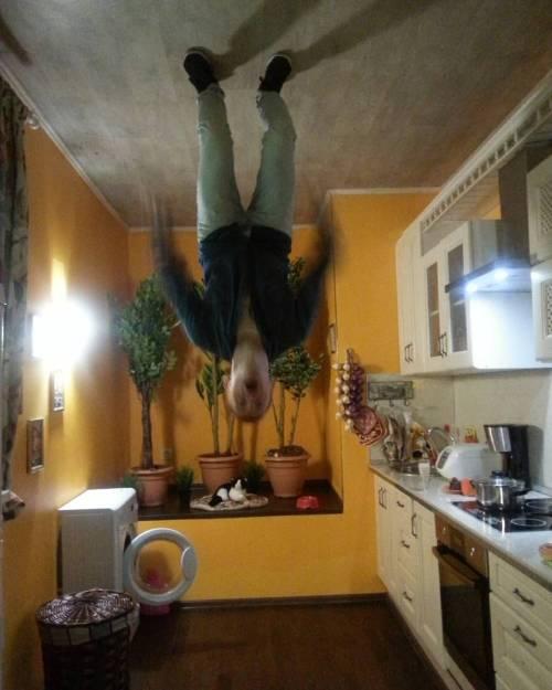 @avdjusha не смог приготовить пельмени и полез на потолок со злости! #отъездкрыши #люблюсвоихдрузей #отъездкрыши#люблюсвоихдрузей