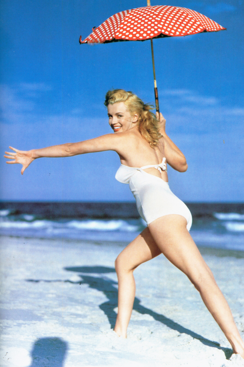 Marilyn photographed by Andre de Dienes, Toby Beach Photoshoot, 1949