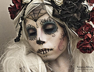 wife of death by http://bit.ly/10eX1qW  another dia de los muertos..