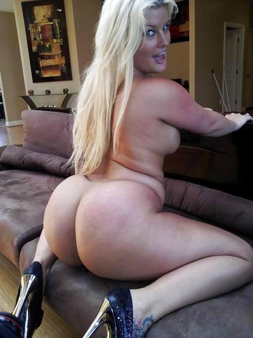 порно шикарная блондинка кончила
