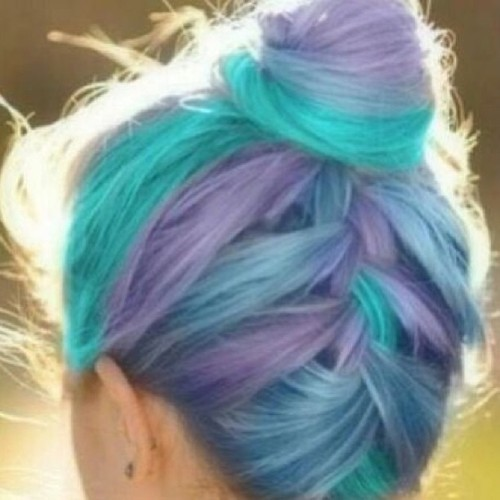 reverie-doll:  #rainbow #hair #rainbowhair