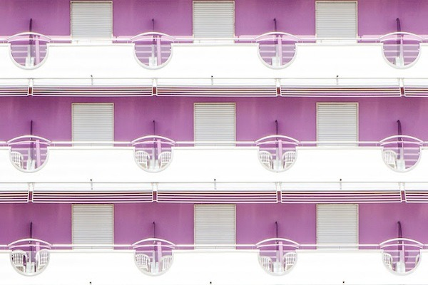 letsbuildahome-fr:  Vibrantly Colored Facades Of Beach Hotels In Venice